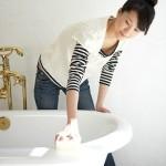 Cara Alami Membersihkan Keramik Kamar Mandi Dengan Mudah